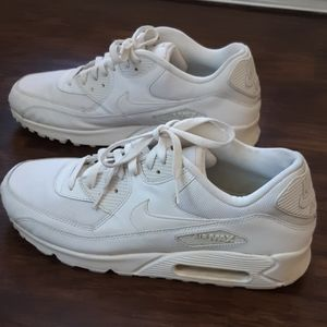 Nike Air Max 90 Essential white sneakers size 12.5